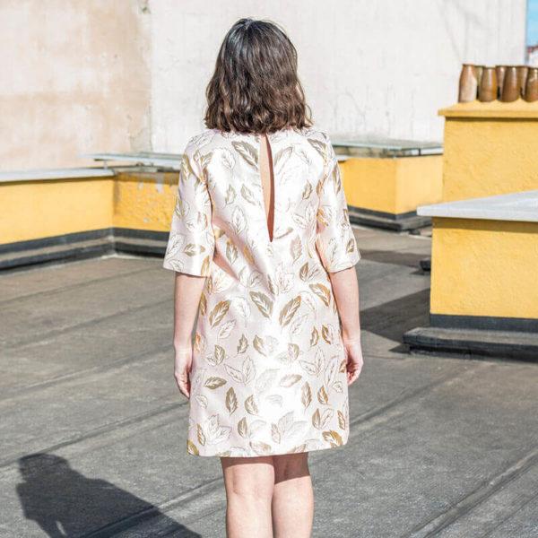 vestido original hojas doradas