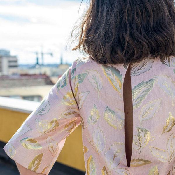 Vestido hojas doradas